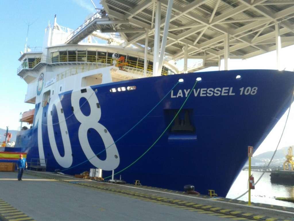 """Pintado parcial del buque """"Lay Vessel 108"""""""